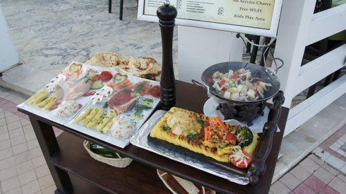 большие порции в кафе Анталии.
