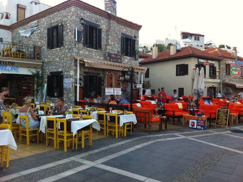улочки старого города с ресторанчиками