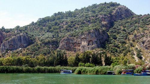 древние гробницы и захоронения