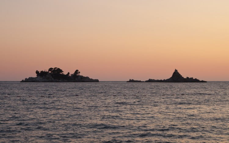 Катич и остров Святого Воскресенья