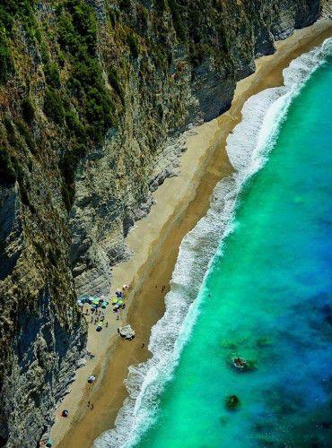 пляж у деревни Перуладес