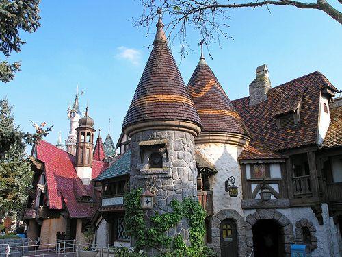 домики в Fantasyland
