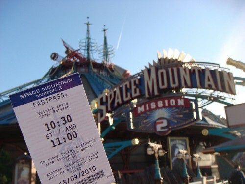 Fast Pass на аттракцион Space Mountaine
