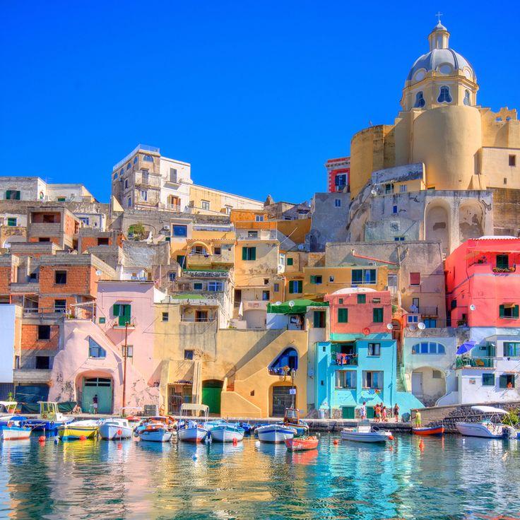 Неаполь - один из самых ярких городов в мире