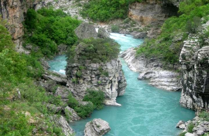 7. река Морача.JPG
