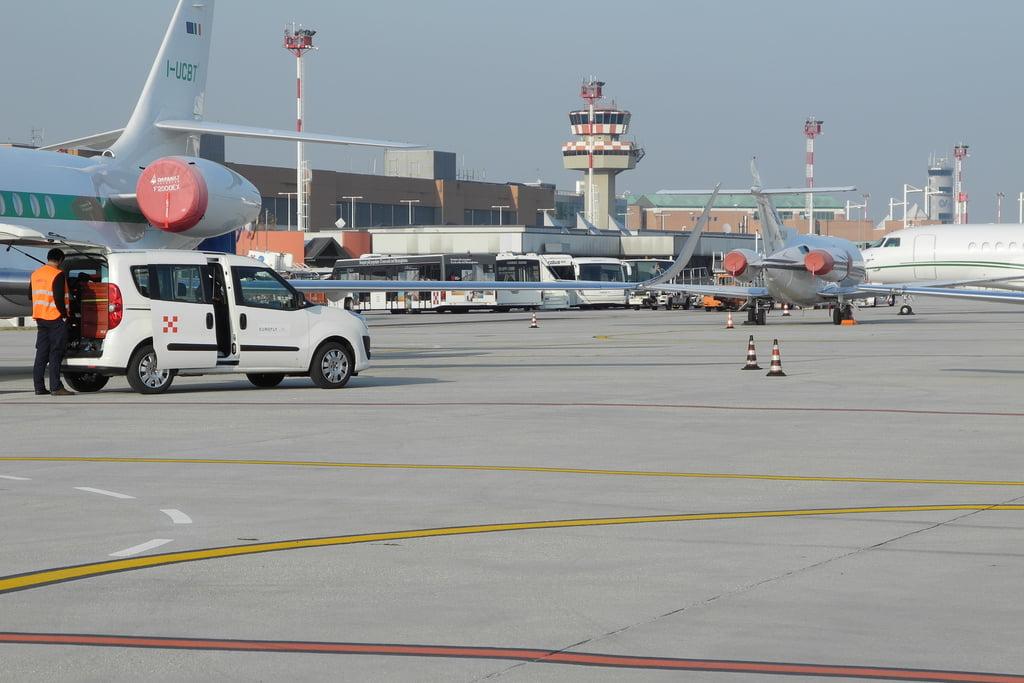 venice airport photo