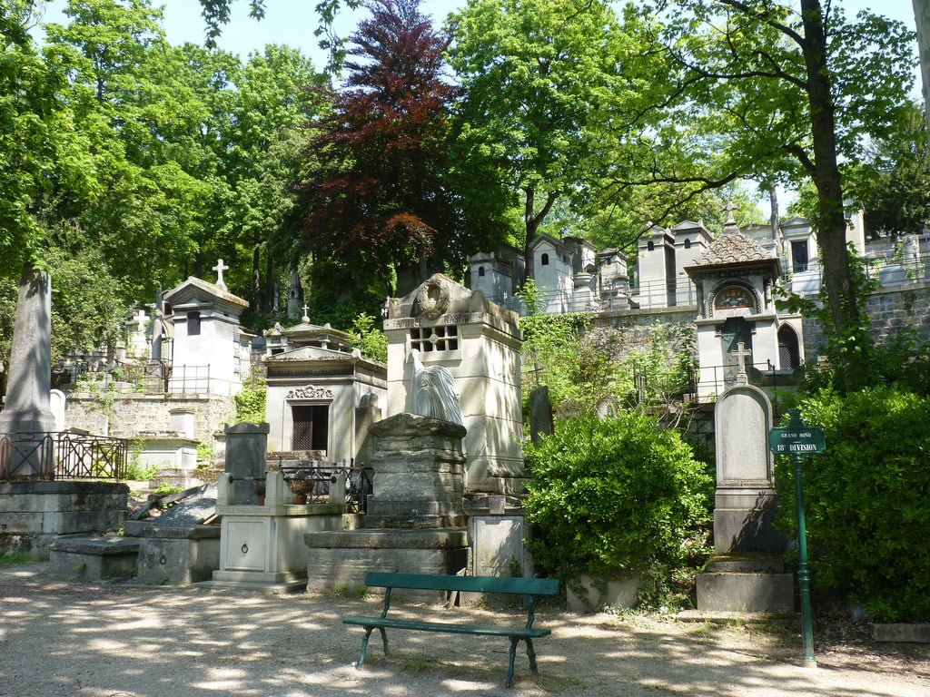 Père Lachaise Cemetery photo