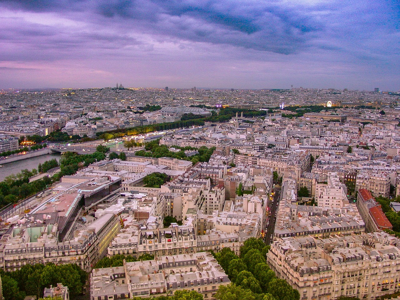 eiffel tower view photo