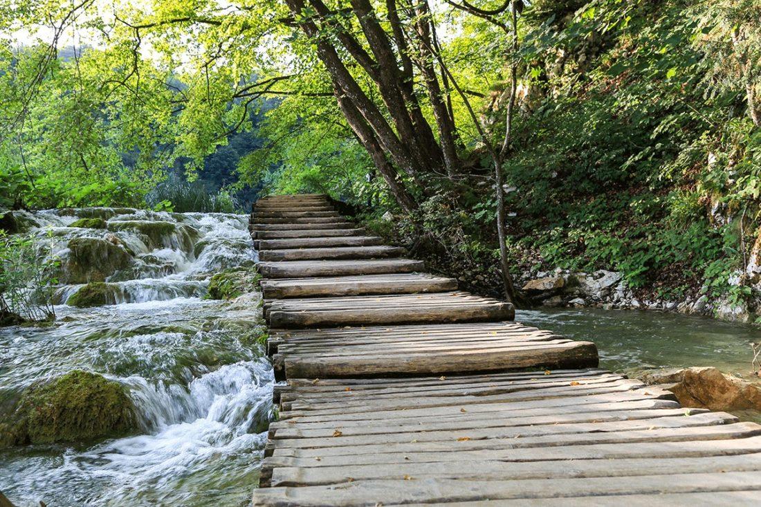 Деревянные мостики на Плитвицких озерах